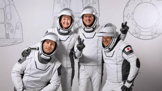 马斯克称SpaceX可以为NASA生产宇航服